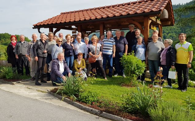 Izlet članov čebelarskega društva Slivnica pri Mariboru